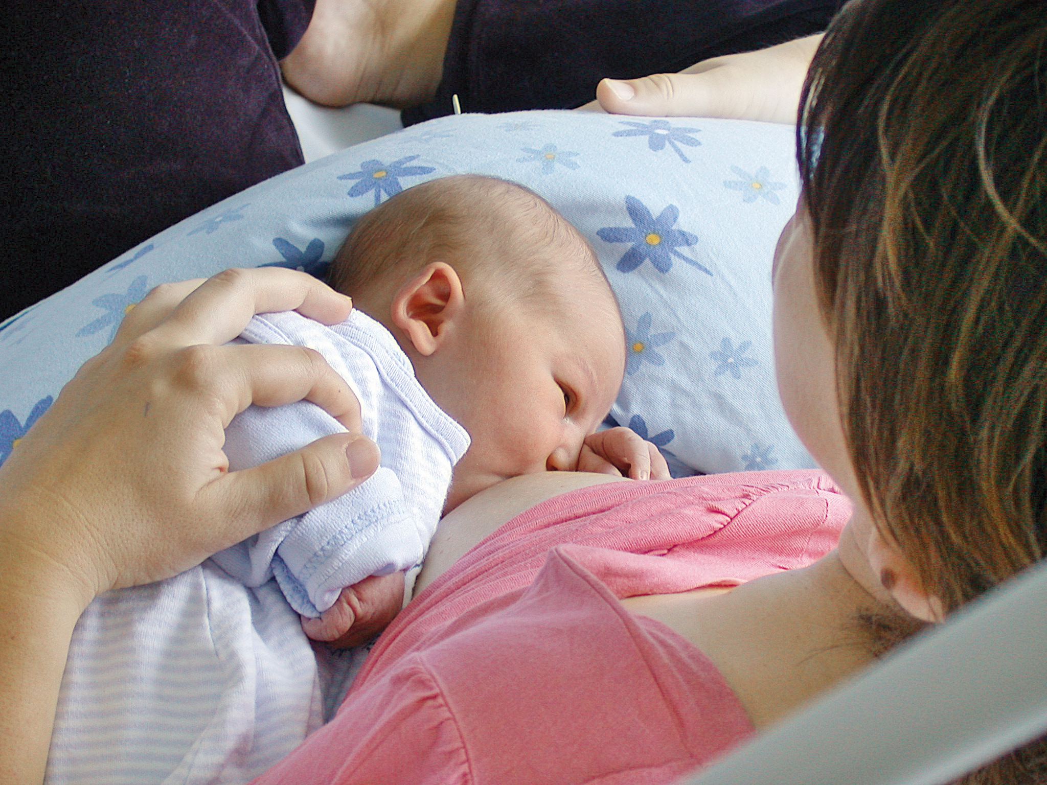 Frauenklinik_Baby_Stillen