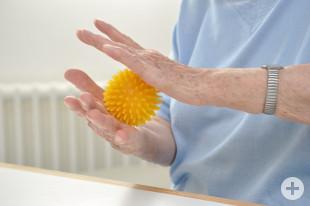 Ergotherapie mit Igelball